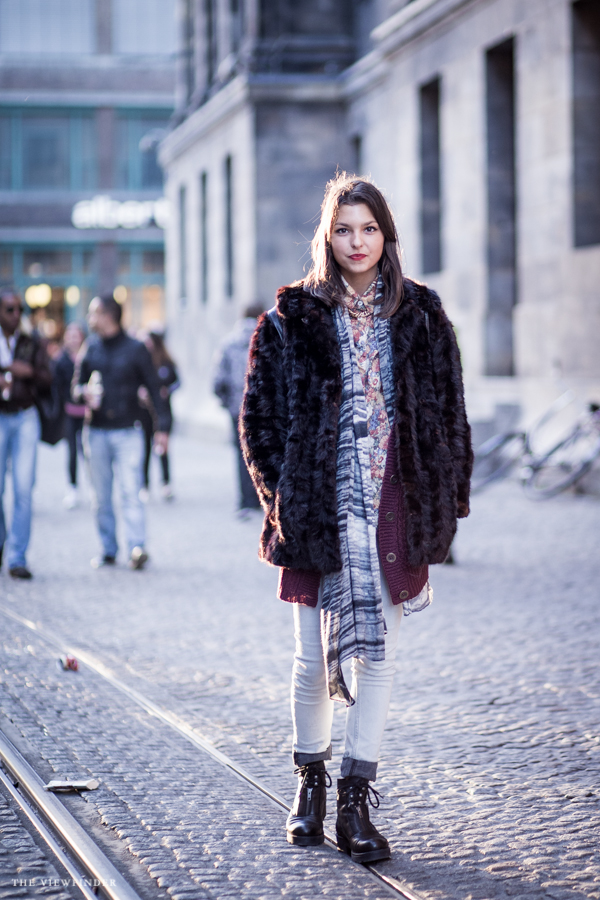fur and prints street style amsterdam | ©THE VIEWFINDER