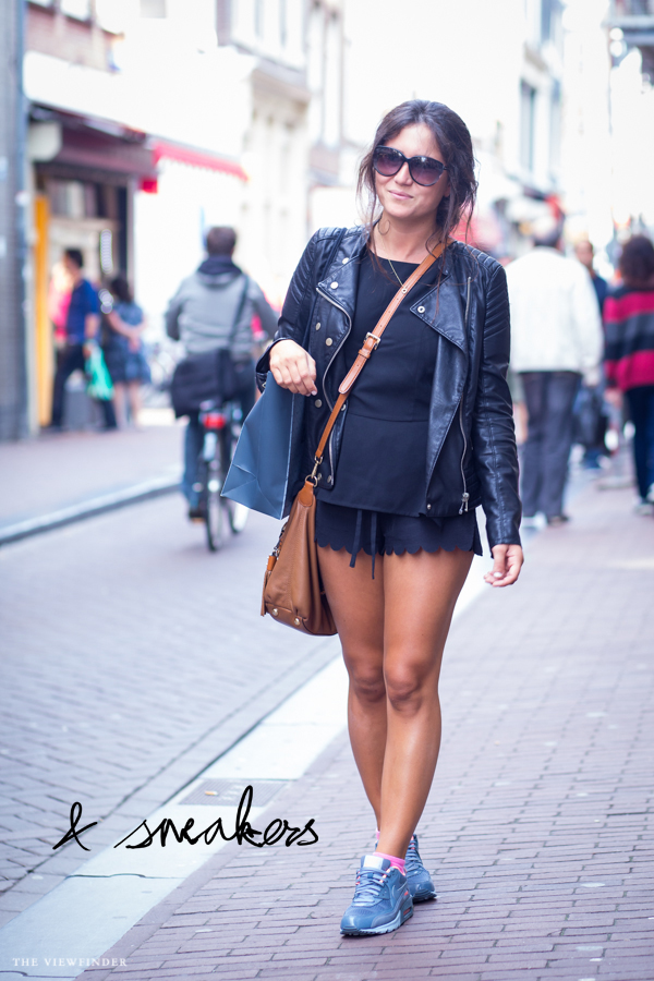 black & brown woman street style amsterdam | ©THE VIEWFINDER