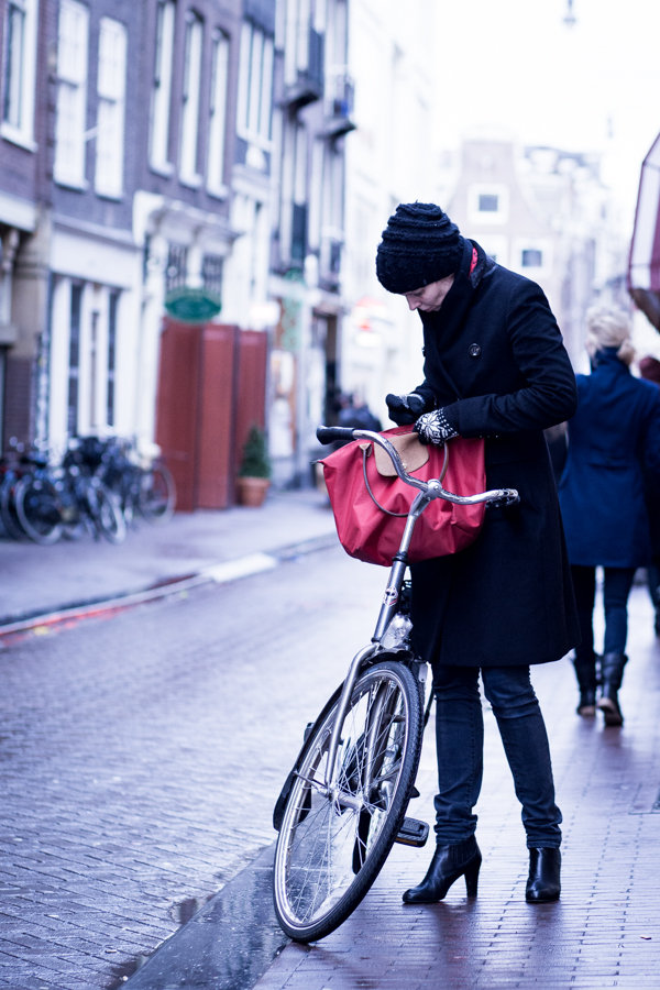 street style amsterdam fashion women biker trench coat | ©THE VIEWFINDER