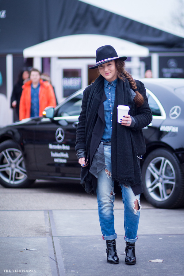 casual draped street style amsterdam women | ©THE VIEWFINDER