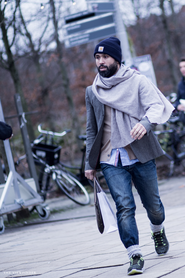 beanie & layers street style amsterdam men's fashion | ©THE VIEWFINDER