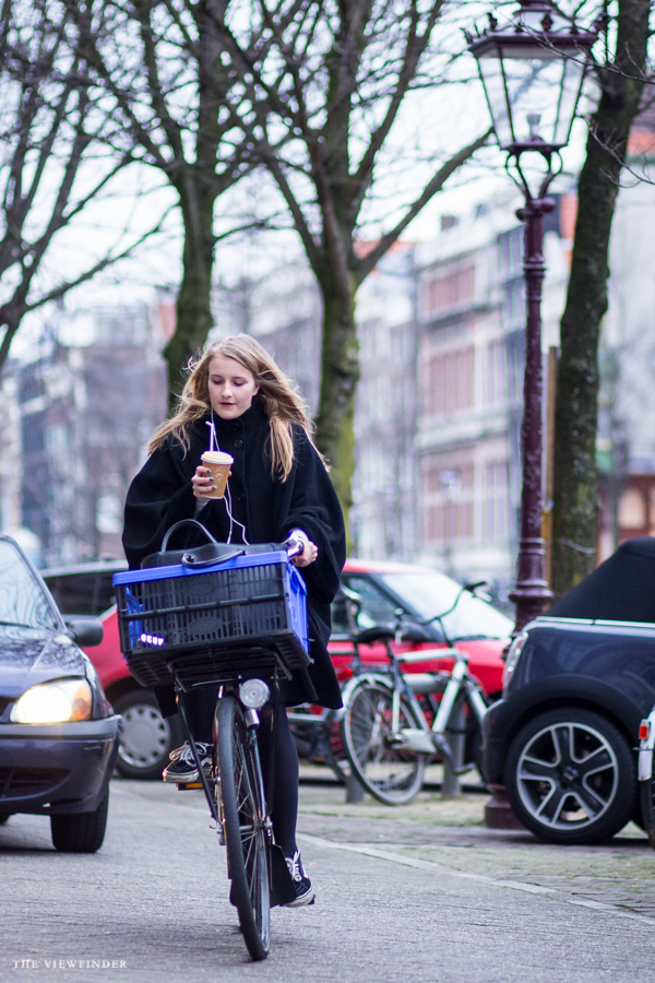 fashionista cycling amsterdam street style | ©THE VIEWFINDER-4746