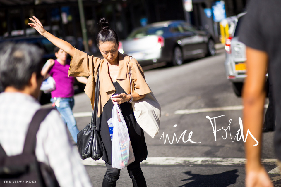 Loose duo tone new york street style | THE-VIEWFINDER-7147