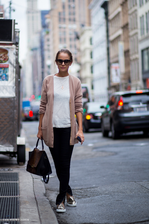 casual gold street style new york THE VIEWFINDER-7592