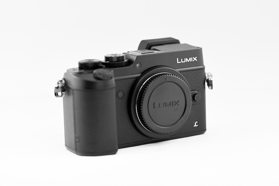 lumix gx8 review the viewfinder 2