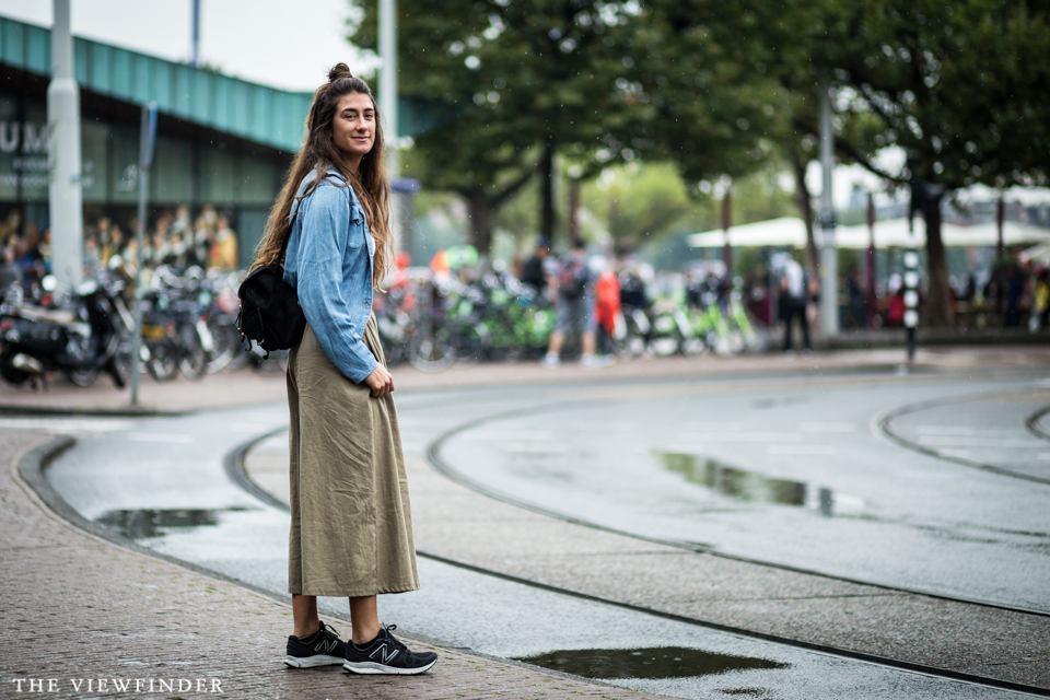 denim skirt sneakers THE VIEWFINDER-4844