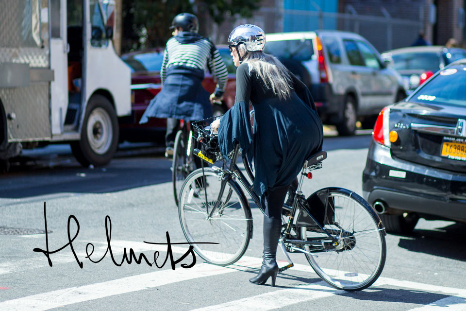 fashion bicycle helmet new york | ©THE-VIEWFINDER-9169-title