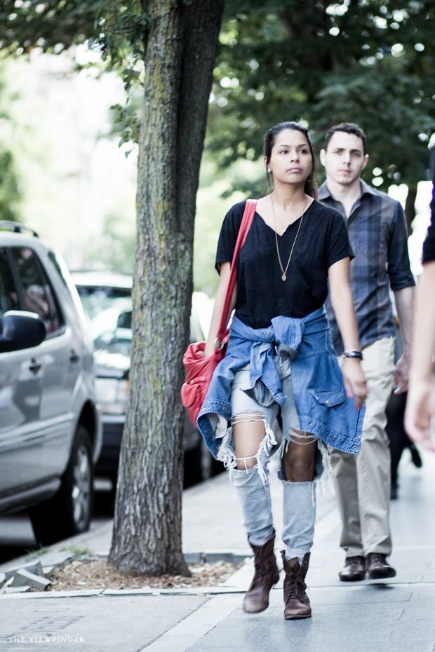 ripped jeans womenswear street style new york   THE VIEWFINDER-9338
