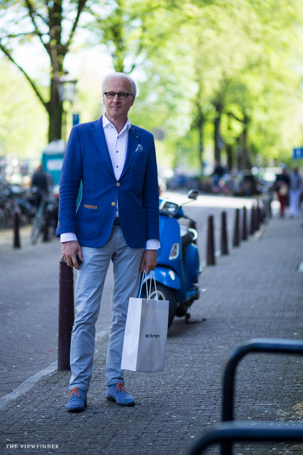 blue menswear amsterdam street style THE VIEWFINDER-1008